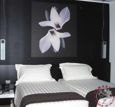 decorazione-parete-camera-letto-hotel