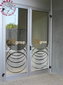 decorazione-pellicola-porta-vetro-albergo