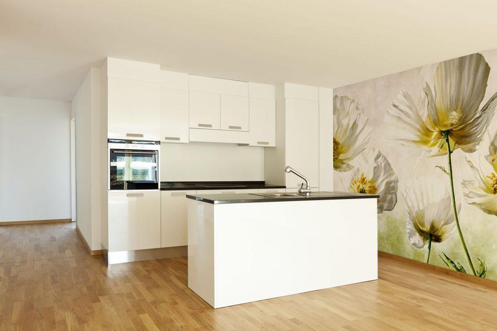 carta-parati-moderna-fiori-bianchi-cucina