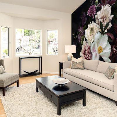 carta-parati-soggiorno-rose-crisantemi-sfondo-nero